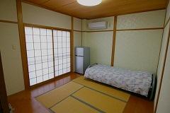 京橋8号室