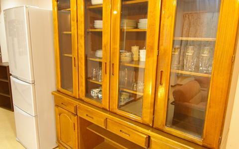 2F食器棚2
